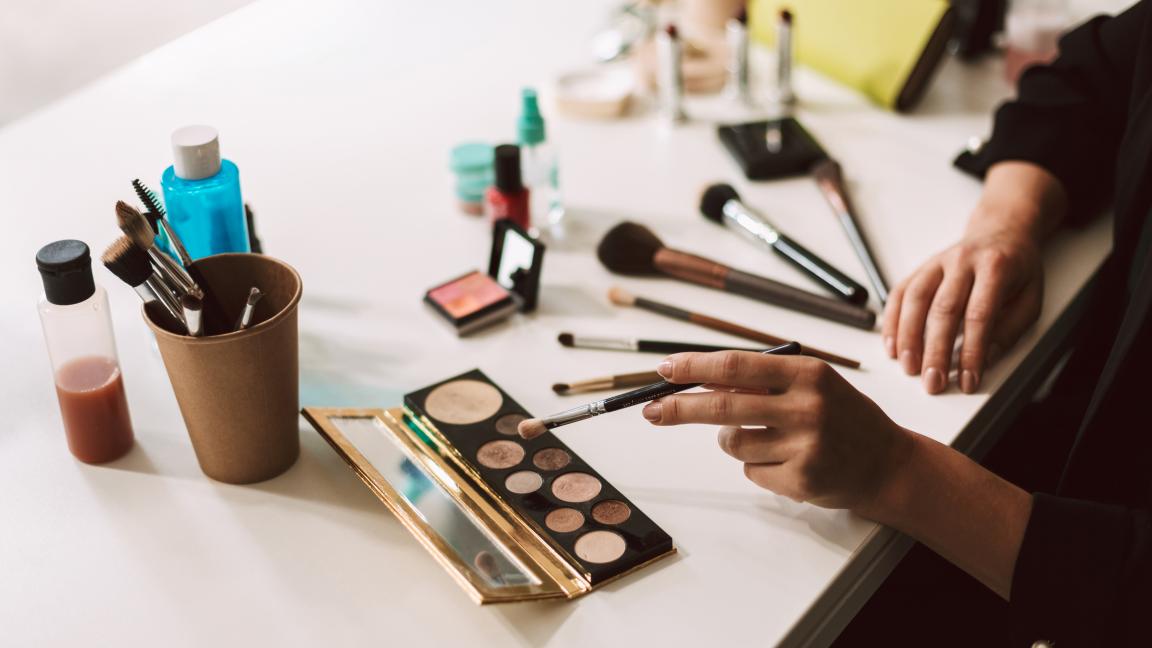 REPORTÉ - Maquillage de scène