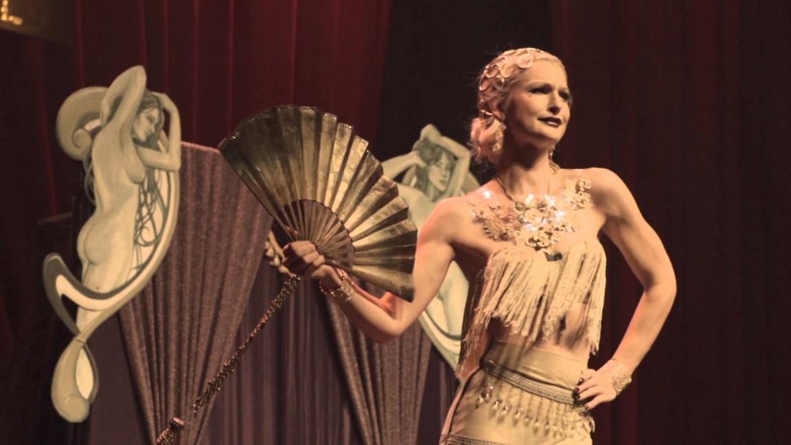 Twirls On Film: Un Cabaret Burlesque