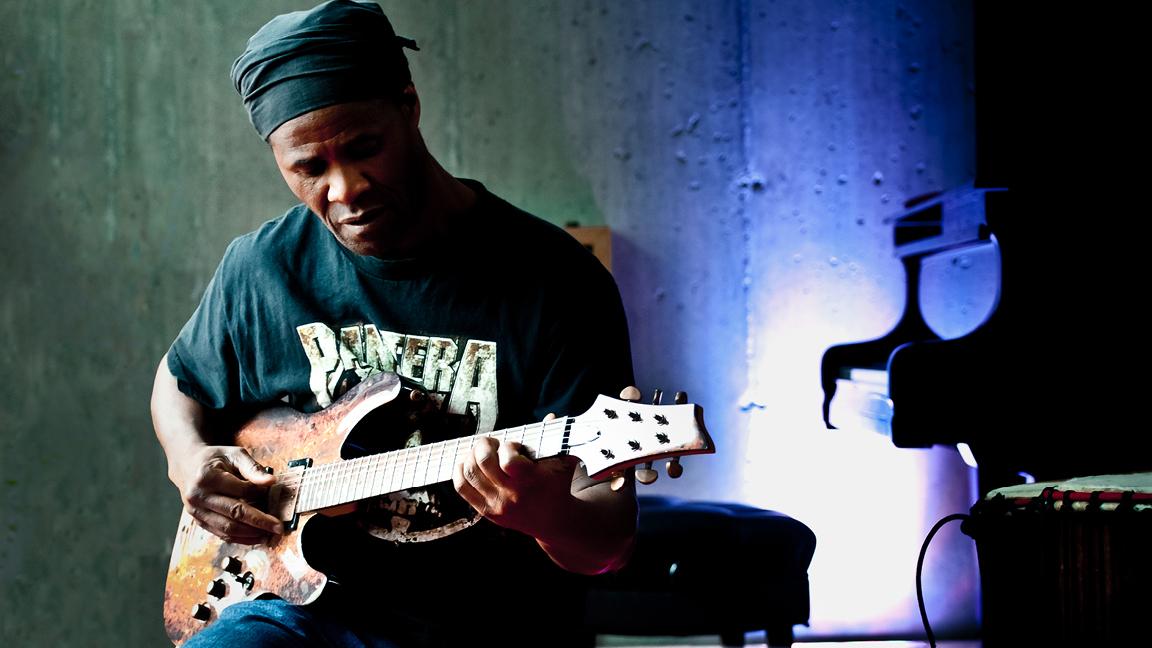 Les Étoiles Nuits d'Afrique with Gotta Lago (Ivory Coast, Qc) invite Montreal Groove