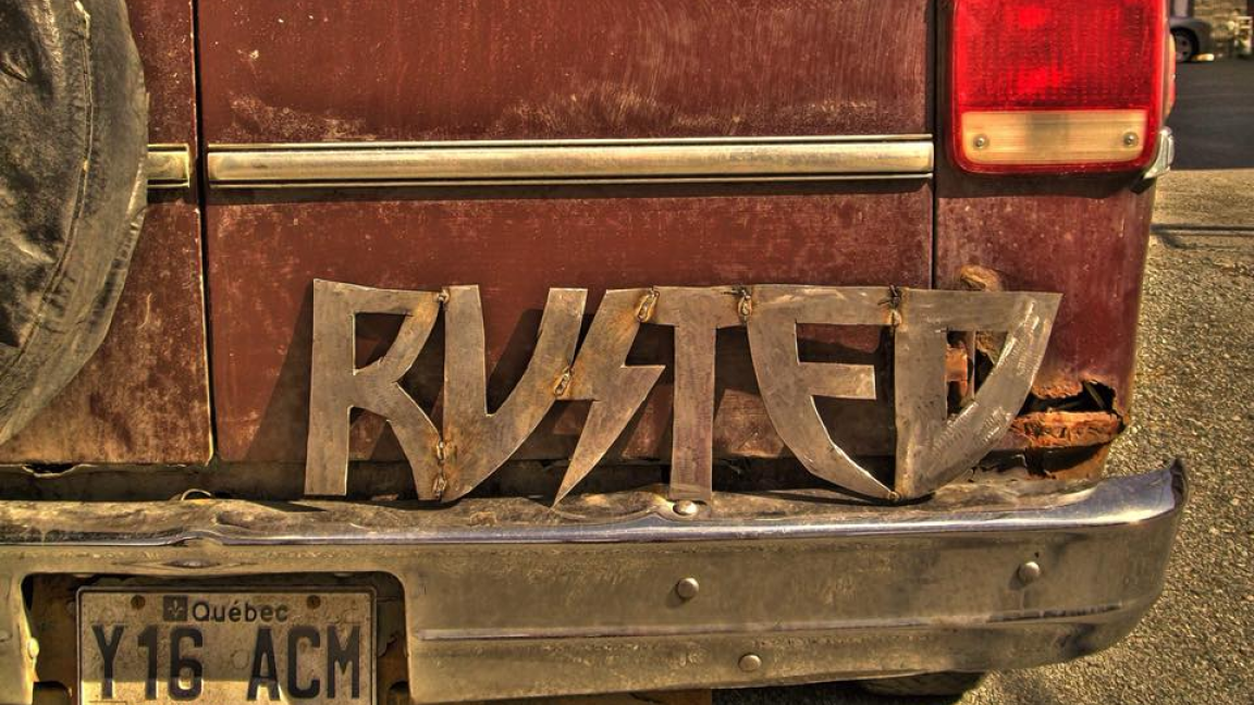RUSTED LIVE WILD & FREE