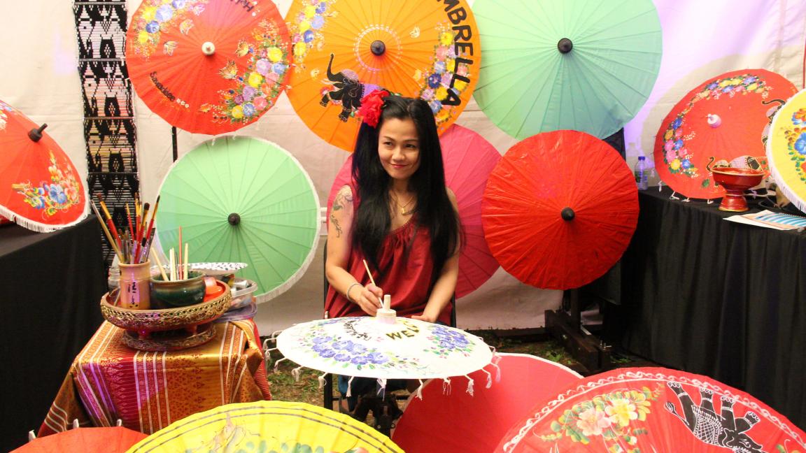 Thai umbrella painting workshop