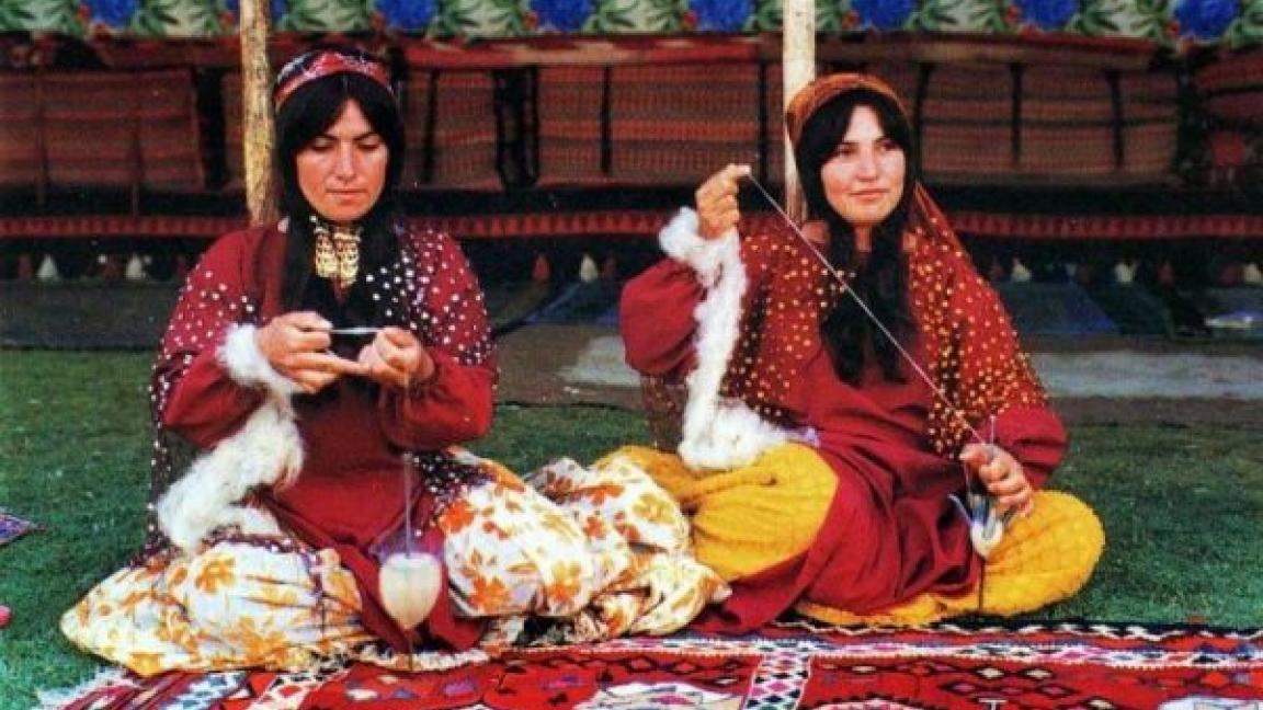 Persian carpet weaving workshop