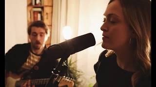 Liana - Red Light (Living Room Live Session)